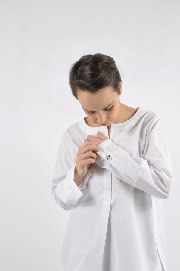 klassische weiße Bluse ohne Kragen